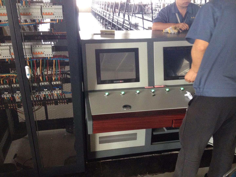 地铁安装工业显示器